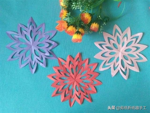 漂亮的窗花剪纸步骤图
