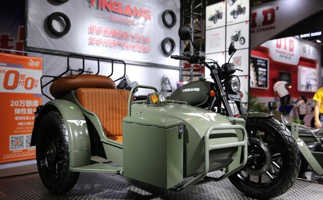 银钢边三轮摩托车250