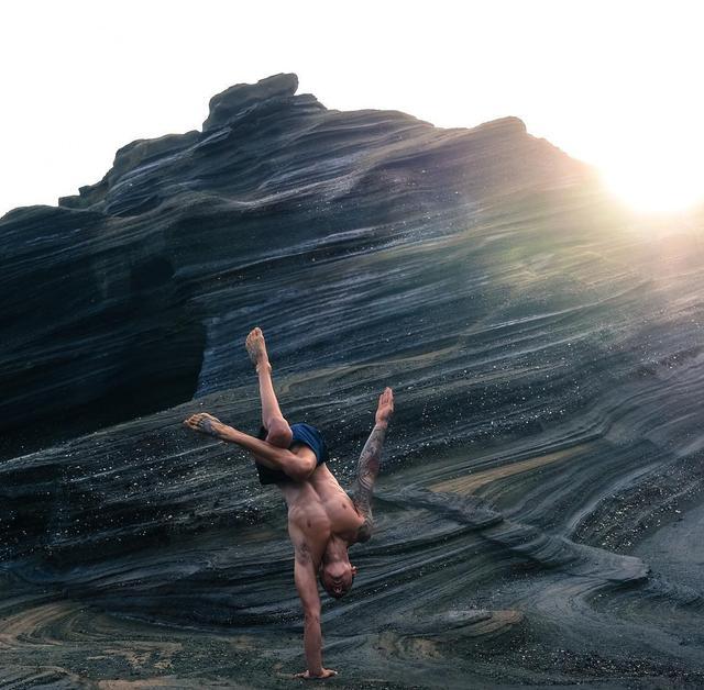 男生瑜伽,有力量的瑜伽