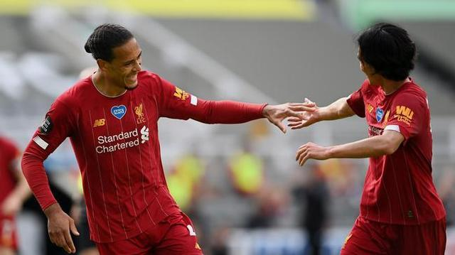 英超结局:曼联切尔西争四成功 伯恩茅斯沃特福德诺维奇遗憾降级
