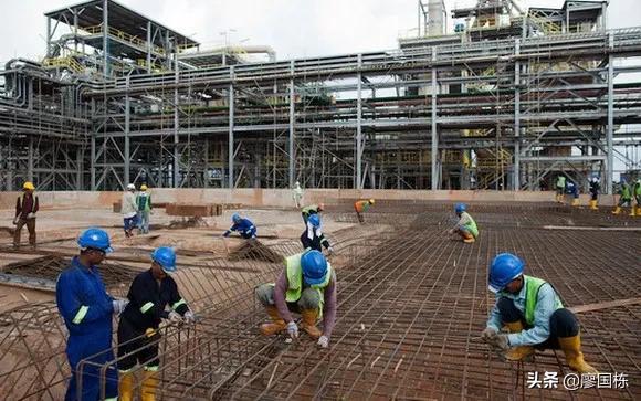 工业建设劳工比重递升(越南)