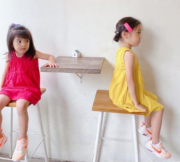 有种长大叫贾静雯的女儿咘咘,4岁气质出众,一双小长腿实力吸睛