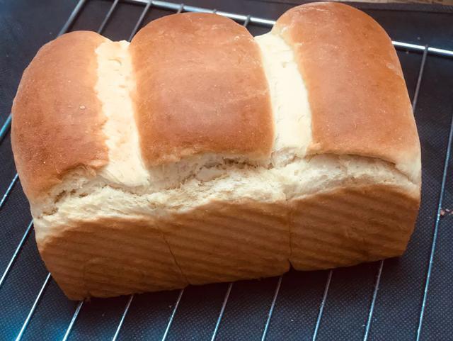 面包機吐司和烤箱土司