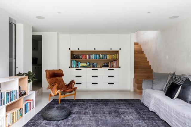 我要是准备买房一定坚持买复式,2层空间,满足我对家所有向往