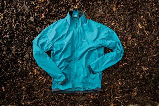 加拿大品牌夹克,恶劣天气伴侣