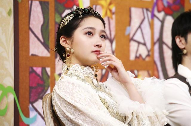 中世纪欧洲贵族女礼服