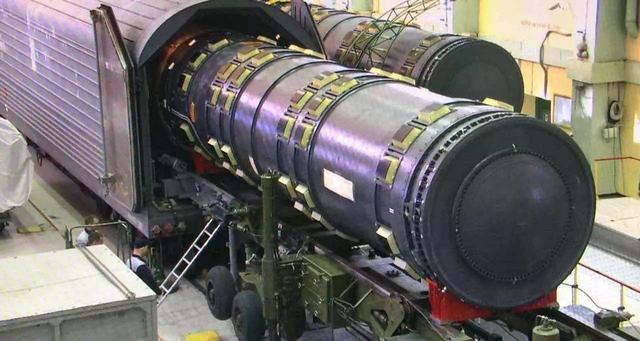 """俄罗斯""""末日列车""""将重启!一次发射300万吨核弹,美束手无策"""
