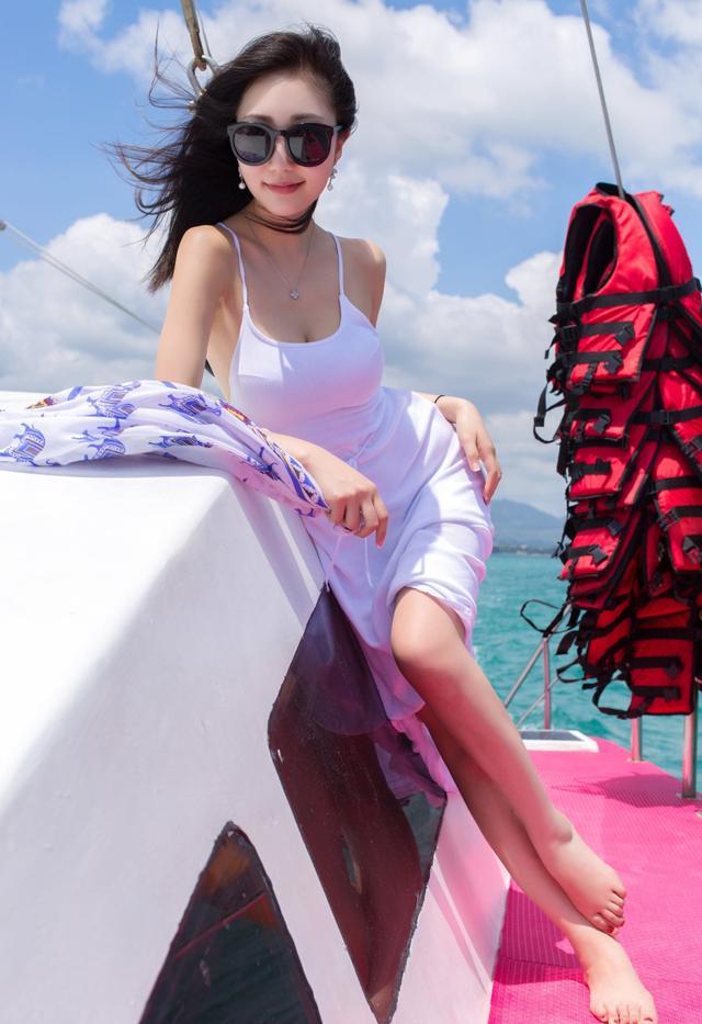 摄影写真欣赏丨可温婉可性感!美女模特尤美让人移不开眼!