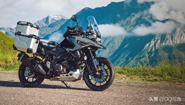 铃木250摩托车