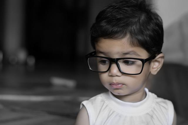 孩子戴眼镜也看不清?赶快看看是不是这几种情况