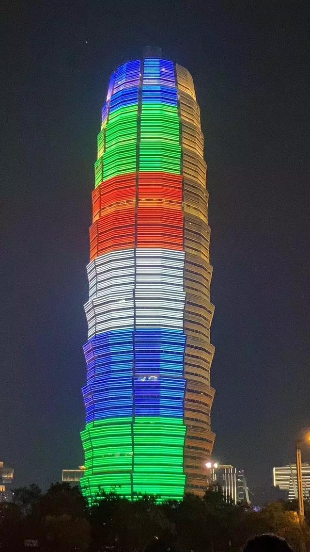 郑州东区玉米楼夜景