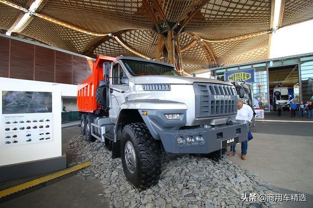 乌拉尔最新款卡车