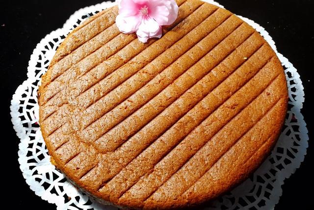 教你做猕猴桃飓风蛋糕,厚厚的一层,在屏幕上感觉美味
