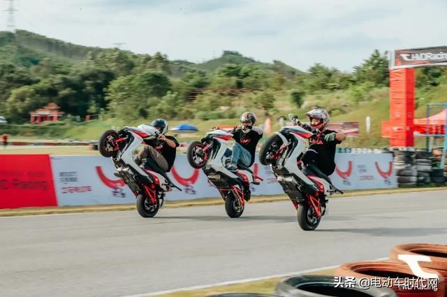 全国顶级电摩大赛 | 立马飞车队制霸全场,尽显强劲动力