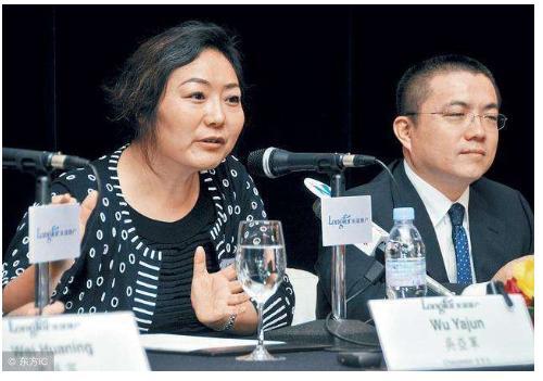 """中国神秘女富豪:白手起家成为""""地产女王"""",离婚分给前夫200亿 创业 第2张"""