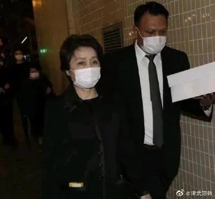 赌王四太梁安琪身家百亿:嫁给大39岁何鸿燊,她为何能被宠爱30年