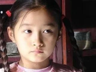 演反派!关晓彤新剧播出在即,《二十不惑》能为她的演技正名么?