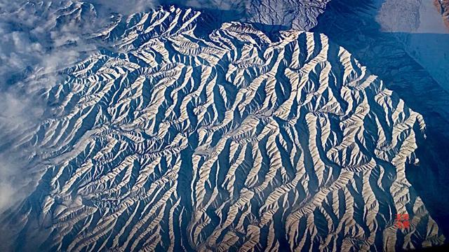 天山山脉有多长?_作业帮
