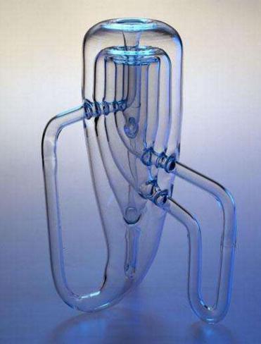 为什么说克莱因瓶造不出来?它实际上是四维空间中的一个扭曲的面
