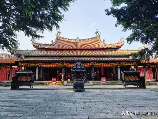 中国最大的妈祖庙,有800多年历史,香火旺盛还没门票