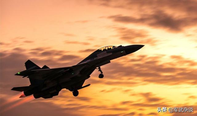 中国100架苏-30战斗机何去何从?是升级后继续服役,还是等待退役