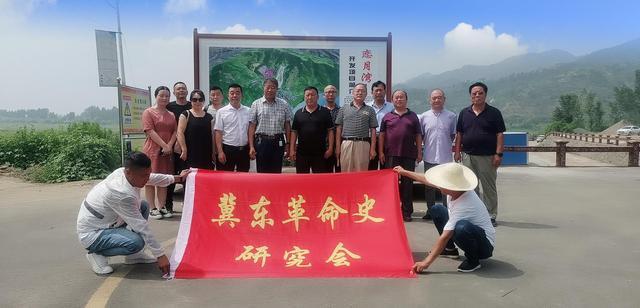 冀东革命史研究会和爱心企业家筹谋红色文化事业