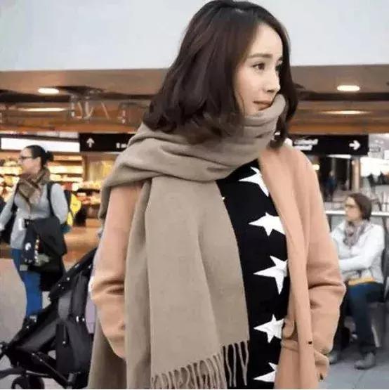 女神养成计划:冬季型人怎么选择衣服,学习女神高圆圆的穿搭!