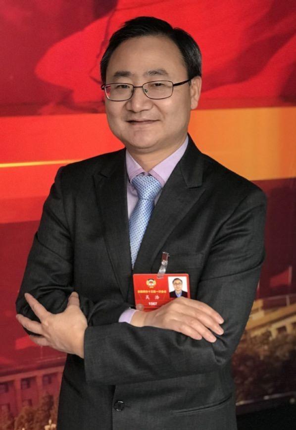 吴浩委员:建议对疫苗、生物制剂等药品开展一