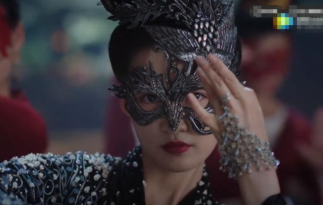 李沁新剧《锦绣南歌》来了,女侠造型A倒粉丝,与男主cp感超强