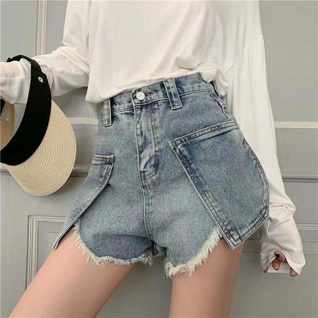 高腰紧身白色牛仔短裤