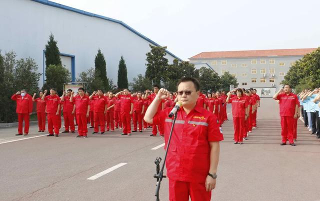 河南寿酒集团重温入党誓词  凝聚发展动能