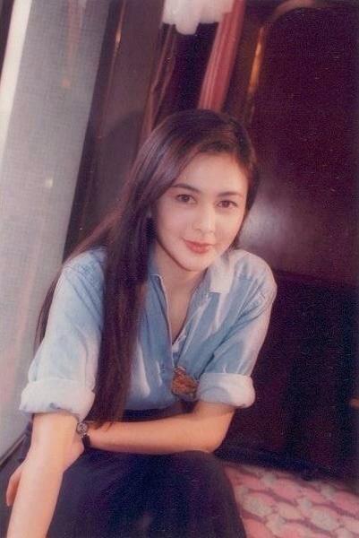 香港超短发女明星图片