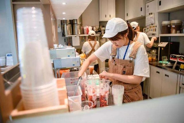 奶茶店开店做什么活动比较容易吸引用户?