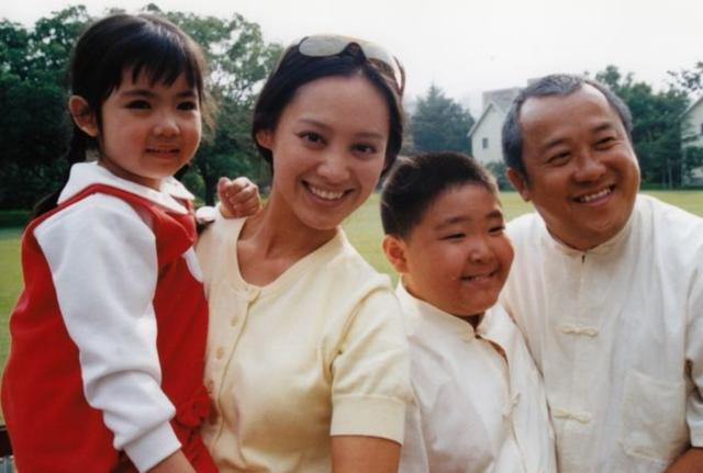 洪金宝年轻时的图片