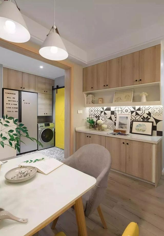 深圳楼盘名居广场83㎡两居室小户型装修案例,简约而不失时尚