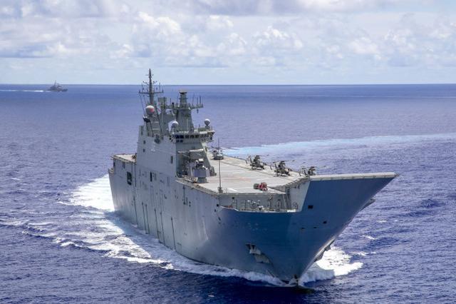 澳媒:澳大利亚舰队闯入南沙附近海域时遭遇中国海军