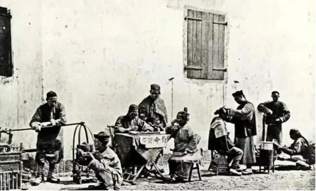 100年前中国人摆的各种地摊,也许对你有启发