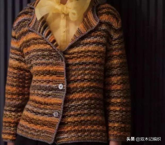今秋又开始流行这款大翻领的毛衫,不挑身材不挑人,颜色百搭
