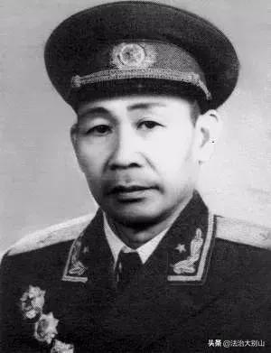 中华人民共和国开国中将之十七_品略