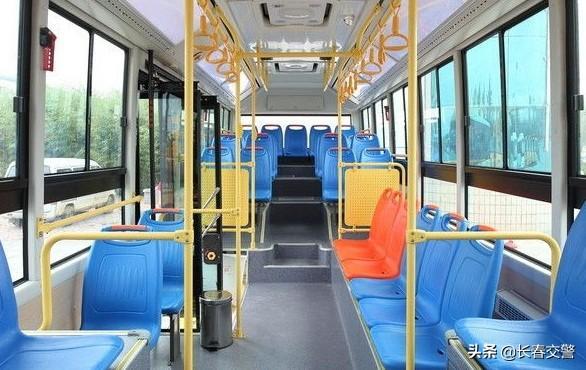 长春62路公交车图片
