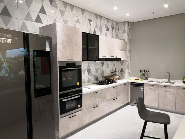 厨房电器集成高柜图片