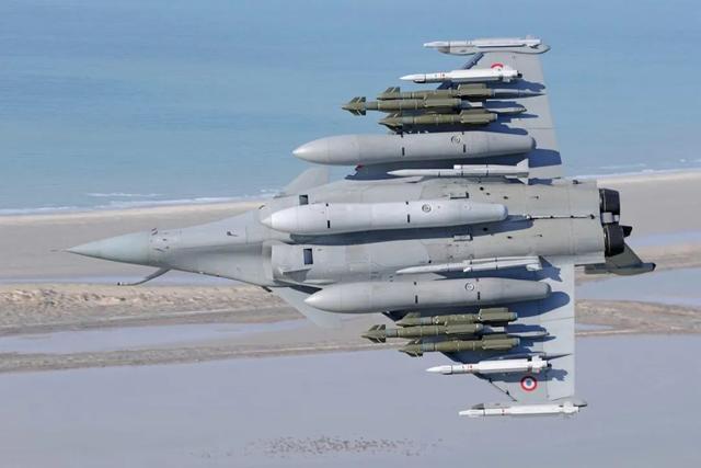 新锐战机即将到货,印度又开始飘了,然而和歼20根本不是一个档次