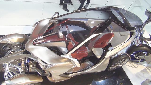 试驾新一代雅马哈YZF R6摩托车——为激情而生