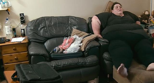 体重296公斤的女人,胖得无法出门,老公却对她不离不弃