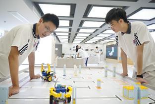 优必选联合杭州余杭区落地AI教育,100所中小学+2大基地正式授课
