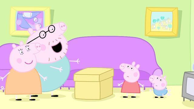 小猪佩奇:两只小猪没有一点音乐细胞,猪爸爸和猪妈妈什么都会