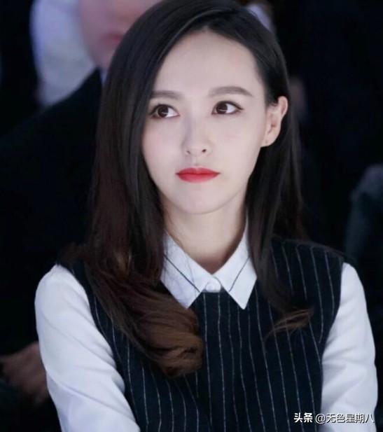 """唐嫣为何总演""""傻白甜""""?看到她十年前的照片,终于相信导演眼光"""