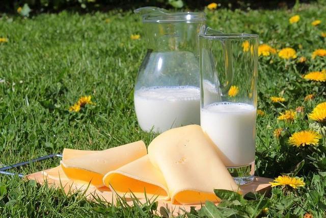 每天晨起喝一杯牛奶,身体会发生什么变化?现在知道不算太晚
