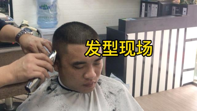 青少年圆头发型图片男