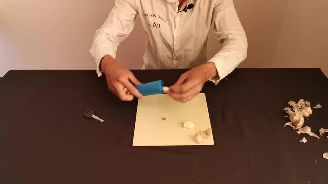 测试一款大蒜剥皮神器,真的能批量剥大蒜?